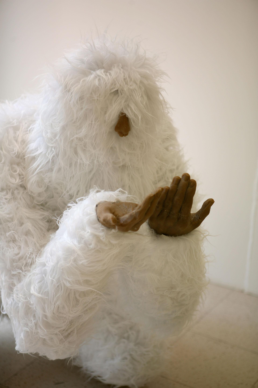 Sculpture Grillage A Poule l'abominable réfugié climatique - florent testa
